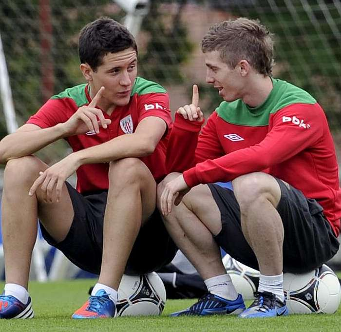 Ander Herrera and Iker Muniain in happier times